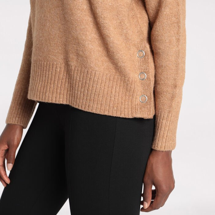 Pull manches longues boutons creme femme